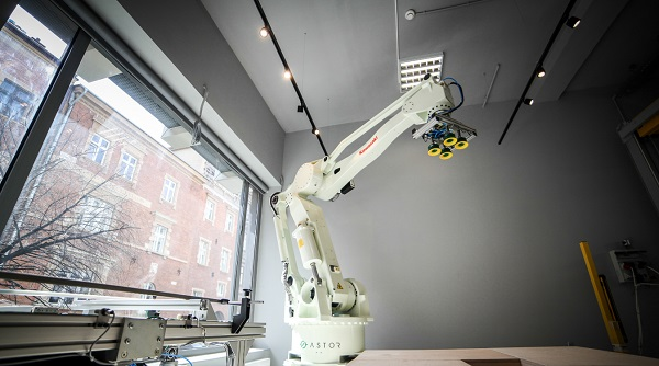 ASTOR Innovation Room - Robot Kawasaki ZD130S