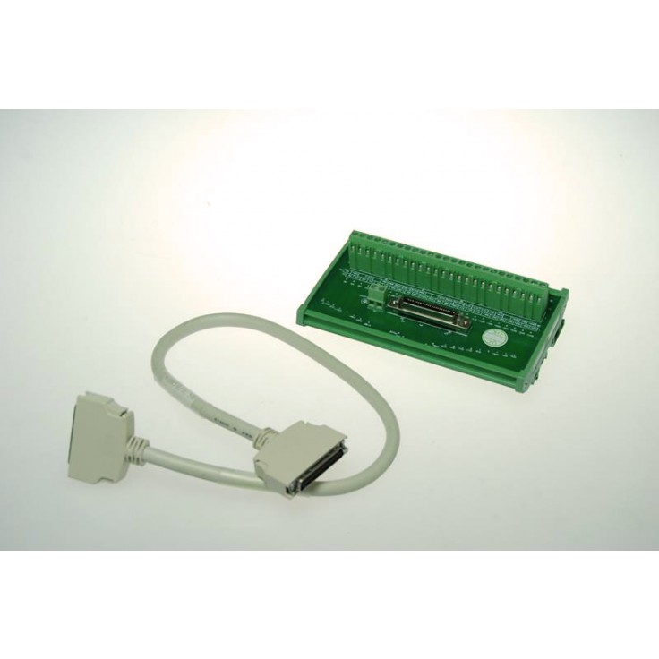 Wyprzedaż - terminal I/O z kablem przyłączeniowym 0,5m. Element jest opcjonalny.
