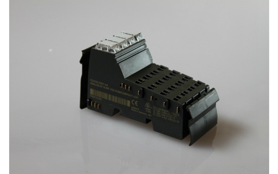 VersaPoint - Moduł wejść analogowych, napięciowo/prądowy, 8 kanałów, rozdz. 15 bitów (ZAW. 4 szt. IC220TBK062)