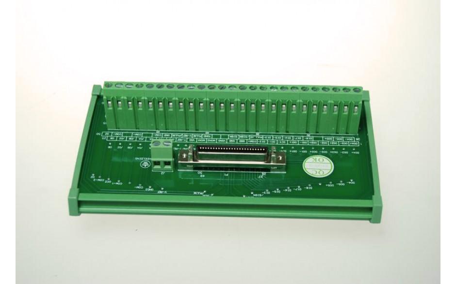 Wyprzedaż - terminal I/O z kablem przyłączeniowym 0,5m. Element jest opcjonalny. 3