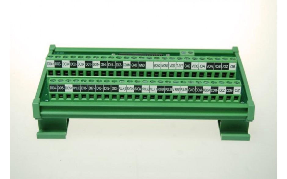 Wyprzedaż - terminal I/O z kablem przyłączeniowym 0,5m. Element jest opcjonalny. 2