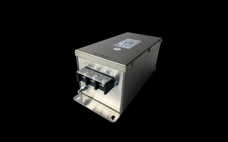 Dławik wyjściowy (silnikowy) do przemiennika częstotliwości o mocy 15 kW, zasilanie 400V