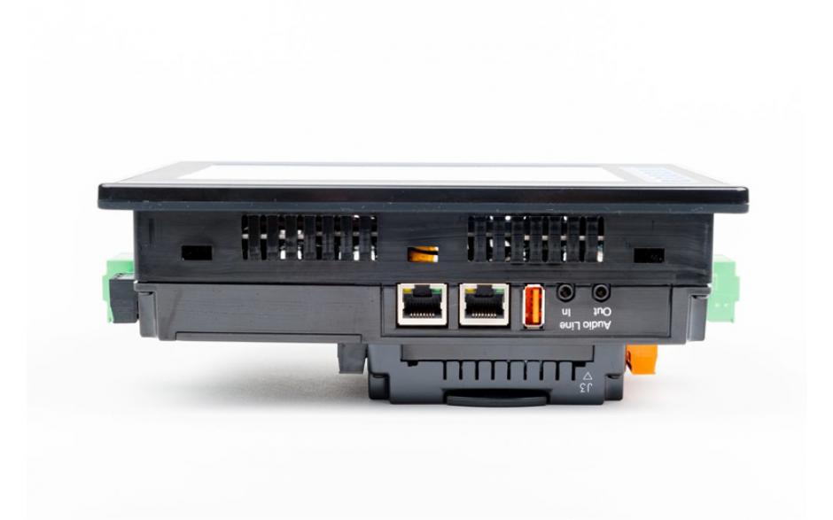 "Sterownik PLC z HMI XL7e - 7"", 24 DI (24 VDC), 16 DO (24 VDC), 2 AI (0-10V, 0-20mA); zasilanie 9-30VDC 6"