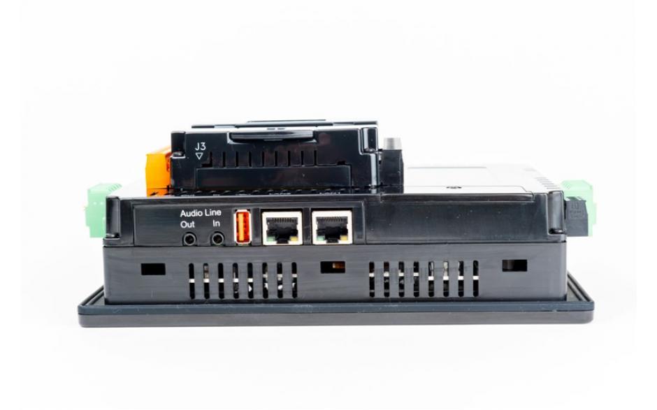 "Sterownik PLC z HMI XL7e - 7"", 24 DI (24 VDC), 16 DO (24 VDC), 2 AI (0-10V, 0-20mA); zasilanie 9-30VDC 2"