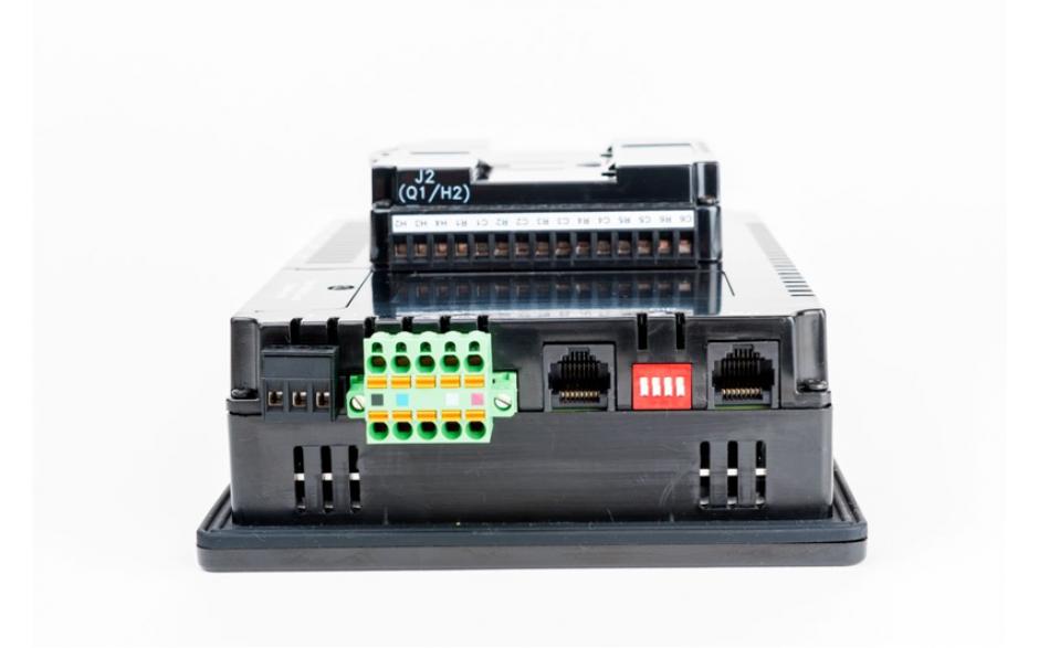 """Sterownik PLC z HMI XL7e - 7"""", 12 DI (12/24 VDC), 12 DO (24 VDC), 6 AI (0-10V, 0-20mA, TC, RTD), 4 AO (0-10V, 0-20mA); zasilanie 9-30VDC 2"""