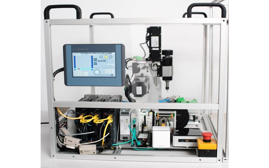 Frezarka CNC - zestaw edukacyjny dla szkół i uczelni z Robotem EPSON. Prowadź zajęcia z budowy maszyn w środowisku Codesys.  2
