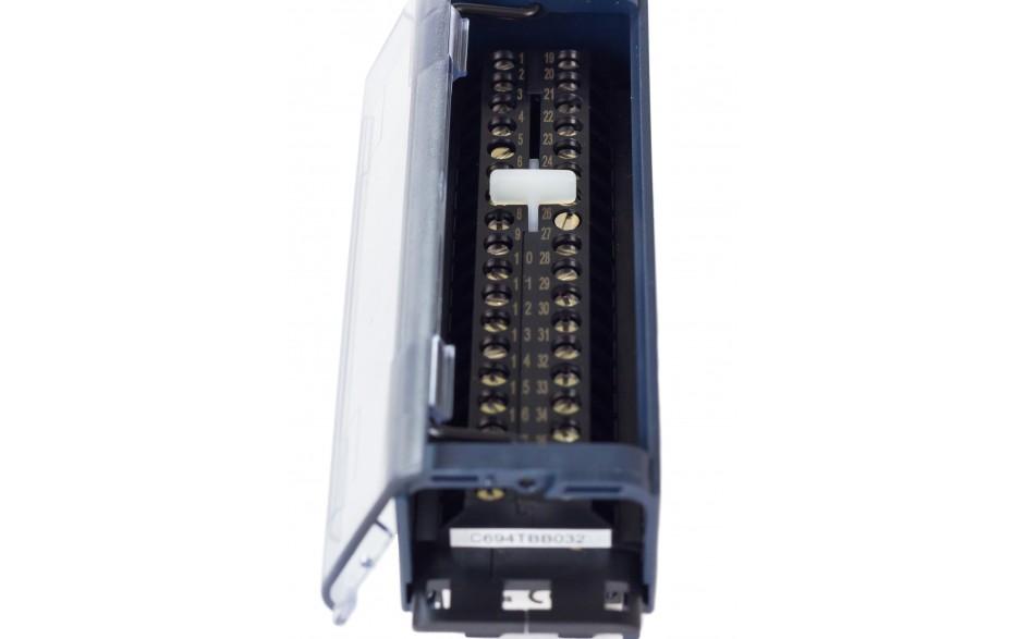 RX3i - Terminal przyłączeniowy ze złączami śrubowymi 4