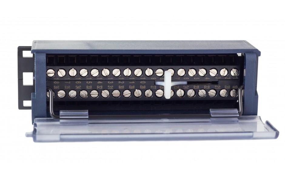 RX3i - Terminal przyłączeniowy ze złączami śrubowymi 6