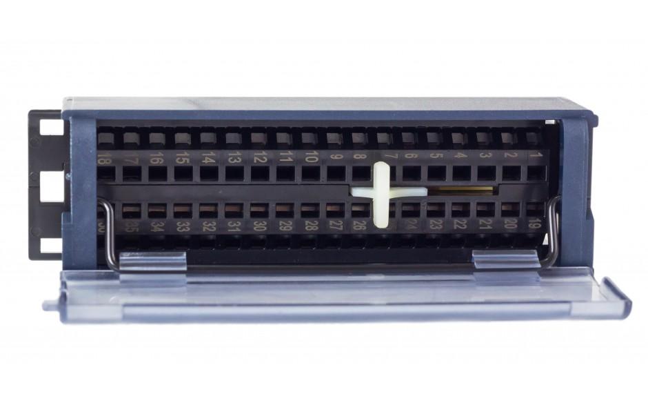 RX3i - Terminal przyłączeniowy ze złączami sprężynowymi 3