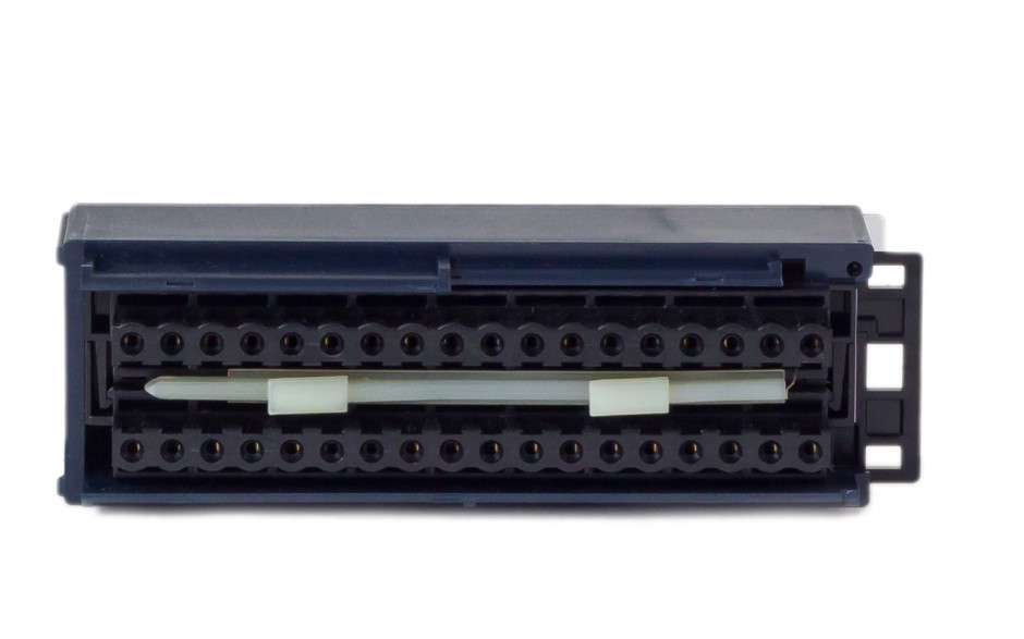 RX3i - Terminal przyłączeniowy ze złączami sprężynowymi o powiększonej przestrzeni na okablowanie 2