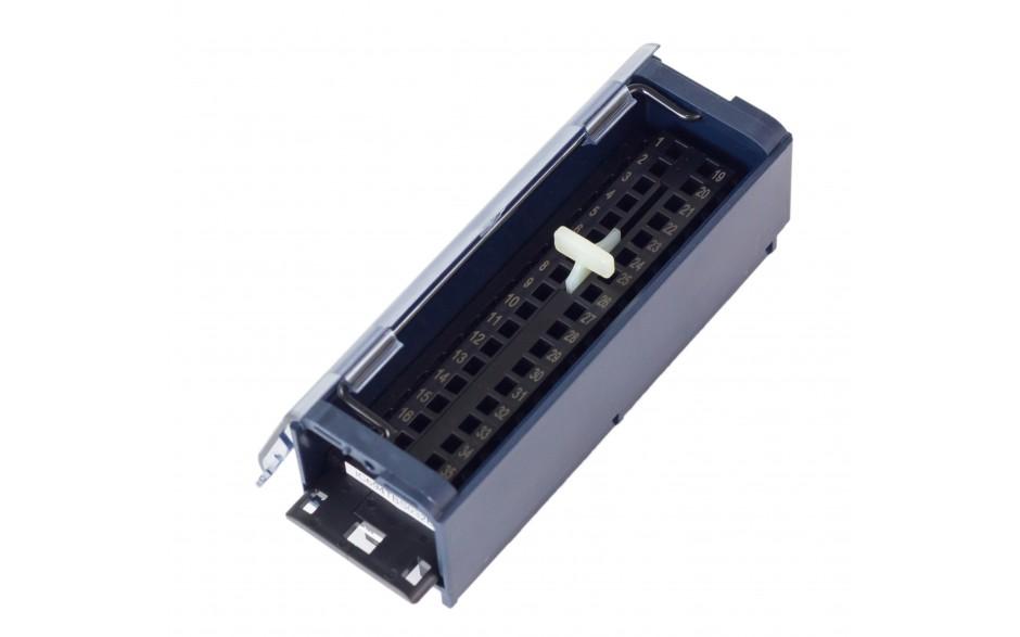 RX3i - Terminal przyłączeniowy ze złączami sprężynowymi o powiększonej przestrzeni na okablowanie