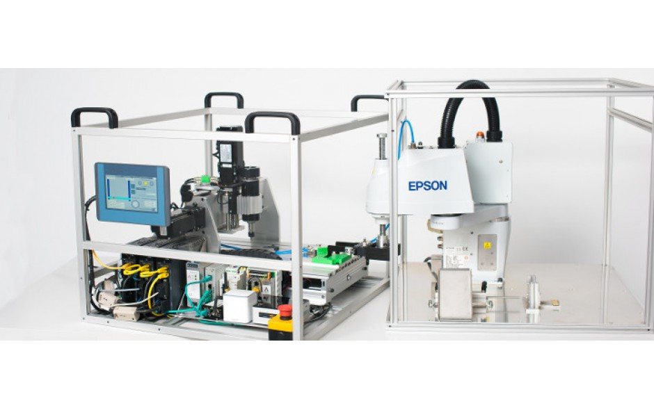 Frezarka CNC wykorzystująca produkty ASTRAADA z Robotem EPSON