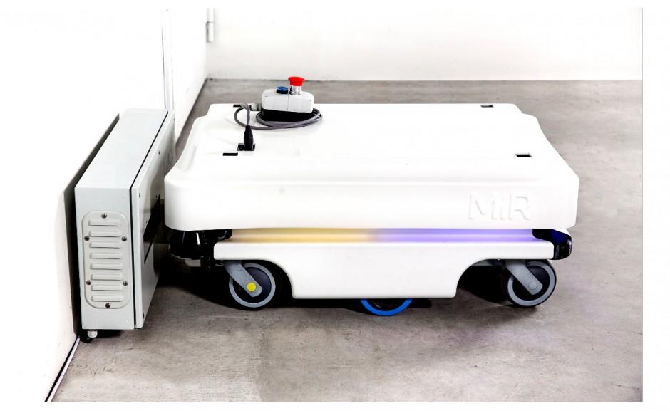 MiRCharge 100/200 - automatyczna stacja ładowania do MIR100/200, zasilanie 230V 4