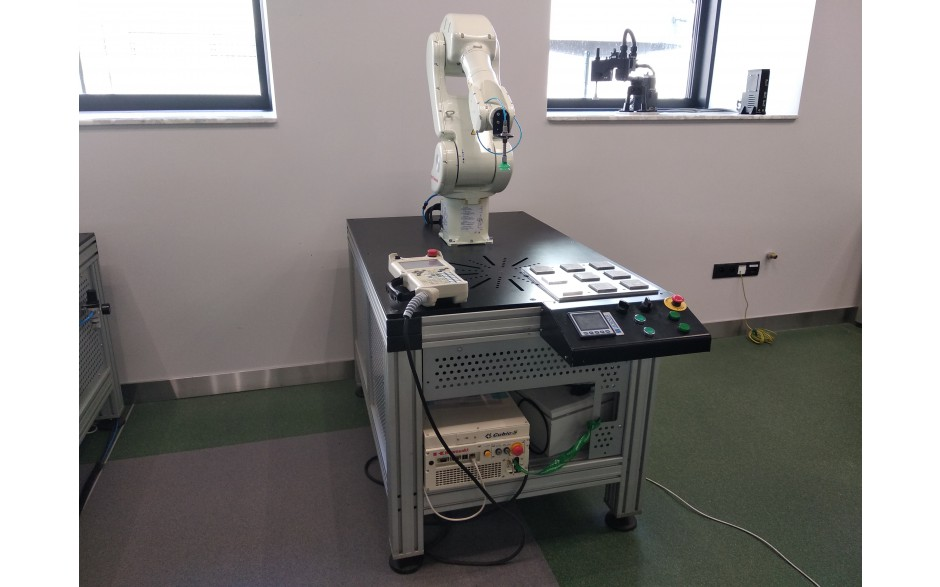 Robot Kawasaki Robotics RS005L 6